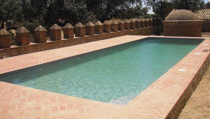Construccion de piscinas sevilla instalaci n de piscinas for Piscinas online ofertas