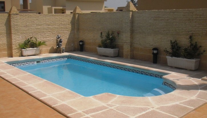 Piscinas v lez construccion de piscinas sevilla for Piscinas abiertas en sevilla
